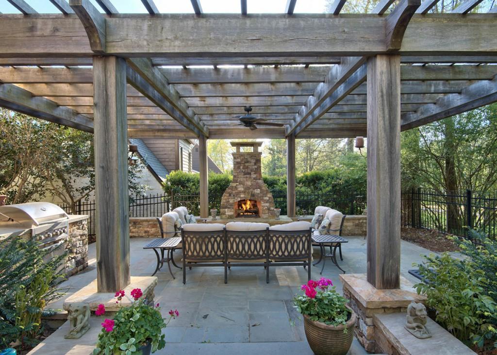 2802Chelsea-patio