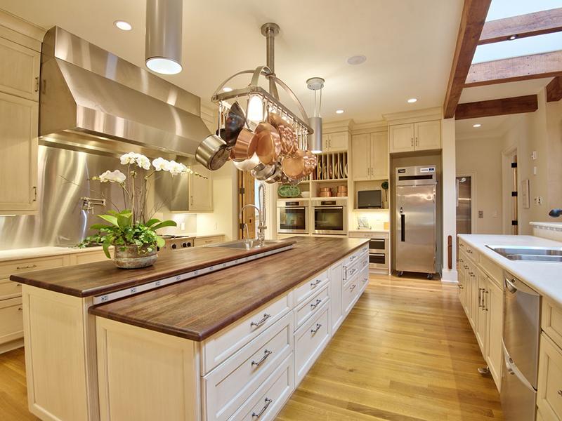 Hot kitchens - 3300 Avon Road
